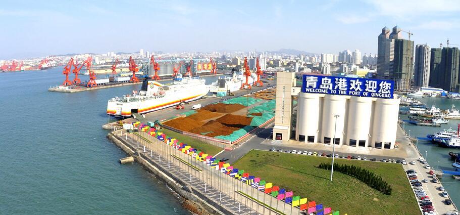 青岛港由青岛大港区,黄岛油港区,前湾港区和董家口港区四大港区组成